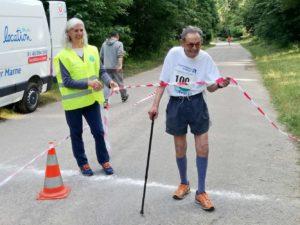 Valerio, héroïque, termine le marathon à bientôt 96 ans !